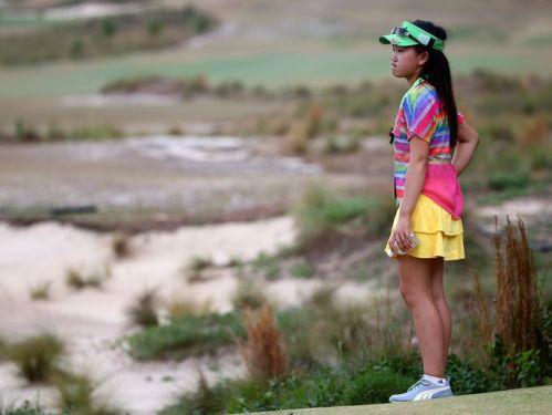 Amateur Lucy Li 02