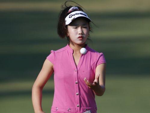 Amateur Lucy Li 08
