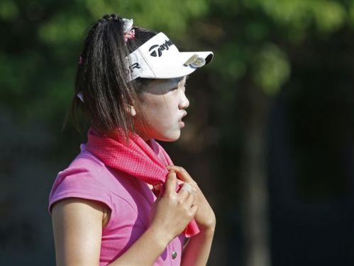 Amateur Lucy Li 09